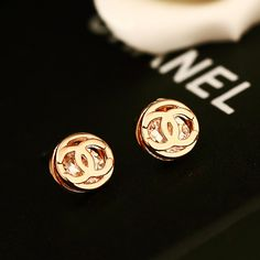 Diamond Earrings With Style! Chanel Earrings, Chanel Jewelry, Luxury Jewelry, Buy Earrings, Jewelry Armoire, Antique Jewelry, Antique Gold, Cute Jewelry, Jewelry Accessories