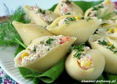 """Udostępnij5 +1 Tweetnij Przypnij120 Stumble UdostępnijUdostępnień 125Muszle makaronowe nadziewane tuńczykiem Są lubianą przekąską na wszelkiego typu przyjęciach. Na jedną imprez domowych przygotowałam właśnie muszle makaronowe nadziewane tuńczykiem z dodatkiem jajek, papryki, ogórka kiszonego, sera żółtego oraz kukurydzy. Powiem wam, że zrobiły furorę wśród gości. Podoba mi się, że jest to tzw. """"przekąska na raz"""". Ilość ..."""