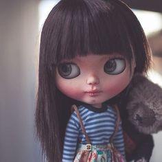 Sin nervios, todo va a salir bien, yo estoy aquí para apoyarte   #erregiro #erregirodolls #bigeyes #blythe #doll #boneca #muñeca #custom #blythedoll #carving #poupée #makeup #sculpt #maquillaje #instadoll #haircut #手首 #ブライズ #fashion #moda #ブライスドール #art #diseño #design #instablythe #arte #arttoy #toy #teddybears #bear