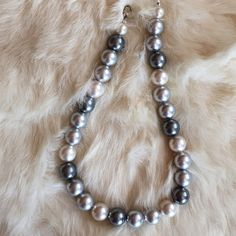 VINTAGE SILVER GREY/WHITE FAUX PEARL NECKLACE Classic! Vintage faux pearls look nice over a top, dress or a shell. Silver. Grey. White. My closet has many ideas. -No trades Vintage Jewelry Necklaces