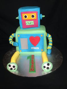 Robot cake by Angell cakes
