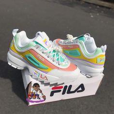Sneakers fila footwear new ideas Cute Sneakers, Shoes Sneakers, Gucci Sneakers, Green Sneakers, Adidas Shoes, Sneakers Fashion, Fashion Shoes, Basket Style, Aesthetic Shoes