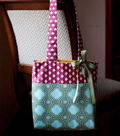 A great tutorial for this tote! This is the tote pattern I've been looking for!
