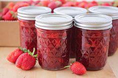 The Baker Upstairs: Simple Strawberry Jam Homemade Strawberry Jam, Strawberry Picking, Strawberry Jam Recipe, Homemade Jelly, Strawberry Preserves, Strawberry Hand Pies, Strawberry Jelly, Jelly Recipes, Jam Recipes