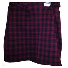 Skirt Burgandy /Black skirt. Dry clean only La Belle Skirts