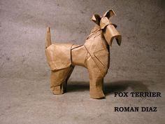 FOX TERRIER ( ROMAN DIAZ ) Hola amigos bueno en este día les quería mostrar como plegar a esta hermosa raza de perro , como ven ...