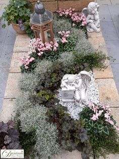 Cemetery Decorations, Hydrangea Care, Propagating Succulents, Types Of Plants, Pin Collection, Floral Arrangements, Garden Design, Diy And Crafts, Floral Wreath
