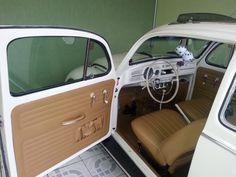Vw Super Beetle, Fusca German Look, Volkswagen Beetle Interior, Vw Vintage, Car Upholstery, Truck Interior, Vw Beetles, Dream Cars, Super Cars