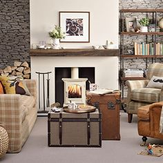 Plaid and leather living room | Living room decorating