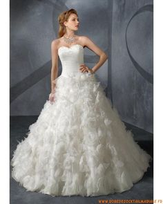 Robe de mariée bustier princesse avec perle tulle dentelle