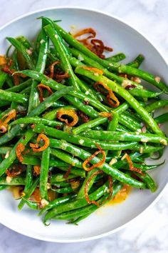 Easy Green Bean Salad with Crispy Shallots This flavorful, crunchy cold green bean salad is one of our favorite ways to enjoy green beans. The green beans are tossed with a simple shallot dressing and topped with crispy crunchy shallots. Salad Recipes Nz, Healthy Recipes, Pasta Recipes, Dinner Recipes, Dessert Recipes, Easy Green Bean Recipes, Simple Recipes, Crispy Shallots, Green Beans And Potatoes