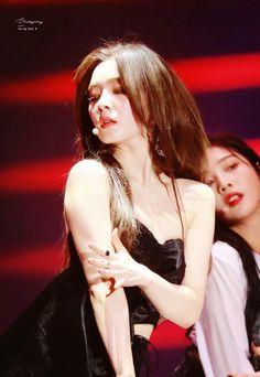 For your visual pleasure Red Velvet Irene, Velvet Fashion, Kpop, Seulgi, Korean Singer, Asian Girl, Indie, Wonder Woman, Superhero