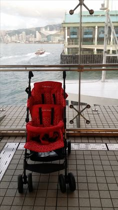 Ferry  Kinderwagon just make outing enjoyable!  美國Kinderwagon香港總代理 www.kinderwagon.com.hk  Kinderwagon HOP 雙人外出嬰兒車 (Double Stroller) Kinderwagon JUMP 大小B車 前後座嬰兒車 (Double Stroller)