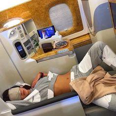 Travel Goals, Travel Style, Travel Divas, Luxury Lifestyle Women, Luxe Life, Travel Aesthetic, Airport Style, Travel Couple, Travel Essentials