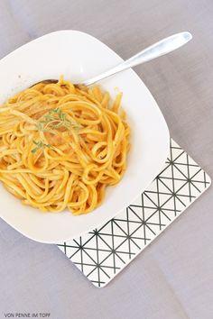 Penne im Topf: Cremige Süßkartoffel - Röstpaprika - Sauce zu Pasta