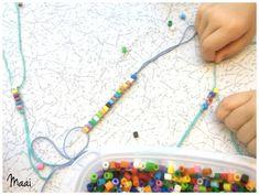 strijkkralen armbandjes maken, hamabeads, knutselen met kinderen