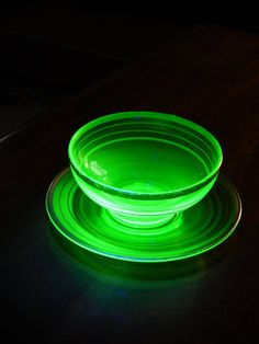 Items similar to Antique Uranium Glass Bowl & Plate Gold Trim, Art Deco Vaseline Glass Bowl Underplate Intense Glow Black Light Tested Green Glass Bowl Plate on Etsy Cut Glass, Glass Art, Vintage Dinnerware, Vaseline Glass, Stained Glass Lamps, Carnival Glass, Plates And Bowls, Glass Collection, Antique Glass