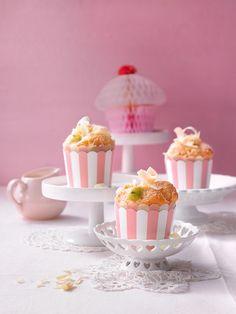 Stachelbeer-Muffins mit weißer Schokolade