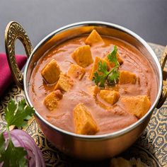 Here is a spicy, tempting recipe of Paneer tikka masala. In this recipe first chunks of paneer marinated in yogurt and spices. North Indian Recipes, Indian Food Recipes, Ethnic Recipes, Indian Desserts, Vegan Recipes, Butter Masala Recipe, Butter Paneer, Easy Paneer Recipes, Tandoori Roti
