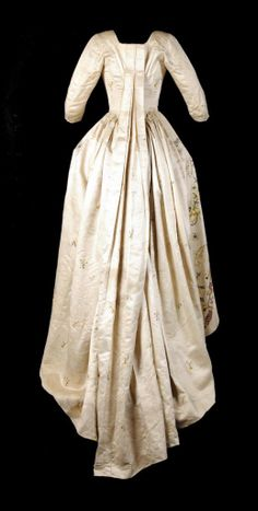 Robe a la francaise (back view), late 18th century, From San Telmo Museum