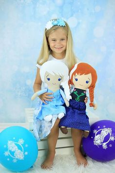 Frozen plush dolls made by Giggle Worm (https://www.facebook.com/giggleworm)