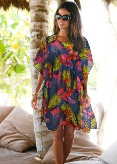 T�nica sa�da de praia verde vivo estampado encomendar agora na loja on-line bonprix.de  R$ 89,90 a partir de Sa�da de praia muito feminina! T�nica com ... Cute Sporty Outfits, Sexy Outfits, Trendy Summer Outfits, Boho Outfits, Summer Dresses, Beach Attire, Vestido Casual, African Print Dresses, Boho Fashion