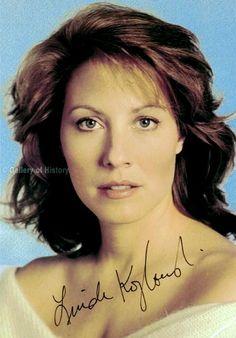 Linda Kozlowski Linda Kozlowski, Crocodile Dundee, Beautiful Haircuts, Pretty Woman, Pin Up, Sexy Women, Hair Cuts, Actresses, Actors
