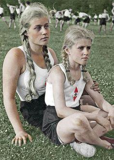 German Girls, German Women, Raza Aria, Aryan Race, Ww2 Women, The War Zone, Germany Ww2, The Third Reich, Portraits