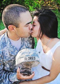 Engagement | Iliasis Muniz Photography Army, kissing, true love, military engagement photos