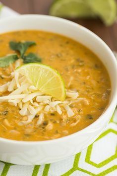 TRIED IT: YUMMM!! This is delicious! Only sub was to use 1/2 tsp of red pepper flakes b/c I didn't have any cayenne left. // White Chicken Chili   browneyedbaker.com #recipe