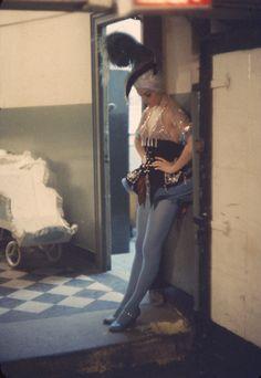 gordon-parks-showgirls-10.jpg (689×1000)