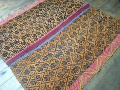 Peruvian Frazada, Hand Woven by my Ancestors Weaving Process, Hand Weaving, Feather Pillows, Creative Skills, Colorful Pillows, Wool Pillows, Back Pillow, Sheep Wool, Yarn Colors