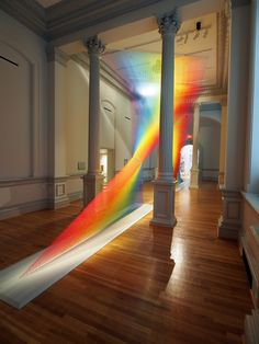 This coloured thread art installation at the Smithsonian American Art Museum is part of the ongoing Plexus series by Mexican artist Gabriel Dawe. Land Art, Sculpture Ornementale, Metal Sculptures, Abstract Sculpture, Bronze Sculpture, Gabriel, Instalation Art, Avant Garde Artists, Architectural Sculpture