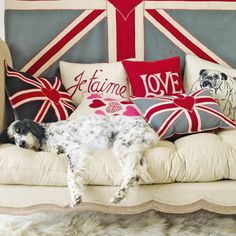 30 Patriotic Decoration Ideas, Union Jack Themed Decor in Blue Red White, not America but love the look Union Jack Decor, Union Jack Cushions, British Things, British People, Purple Home, British Invasion, Home Interior, Interior Design, Interior Ideas