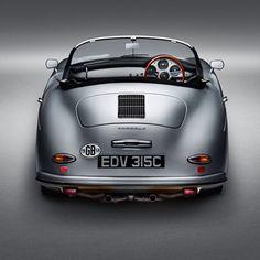 Studio photography of a restored Porsche 356 Speedster Porsche 356 Speedster, Porsche 356a, Porsche Cars, Vintage Porsche, Vintage Cars, Porsche 356 Convertible, Volkswagen, Porsche Carrera Gt, Mercedes Sls