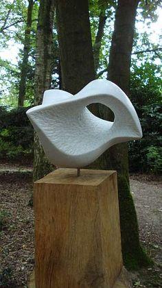 Organic Sculpture, Wood Sculpture, Wooden Spoon Carving, Soapstone Carving, Sculpture Techniques, Steinmetz, Sculptures Céramiques, Plastic Design, Outdoor Art