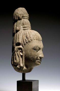 Sandstone Head of Bodhisattva, Cambodia, pre-Angkor Period, Phnom da style, 7th Century. Height: 20cm. Photo courtesy Jonathan Tucker Antonia Tozer Asian Art.