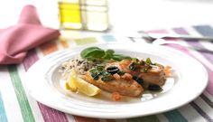 Prøv denne oppskriften med stekt torsk og mild tomat- og basilikumsblanding. Passer til hele familien og blir kanskje en ny hverdagsfavoritt hos liten og stor. #fisk #oppskrift