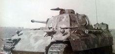 Un Panzer V Panther Ausf. D de la 6 Compañía del Panzer-Abteilung 52 durante la Batalla de Kursk.