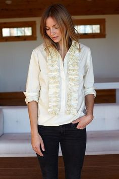 Ruffles to the nines. A relaxed + feminine take on a vintage men's tux shirt. We wanted to give this to you in a modern tunic style, so you can style different