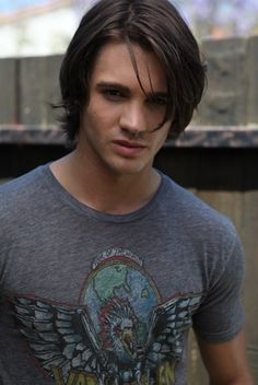 Steven R McQueen portrays the character of Jeremy.....