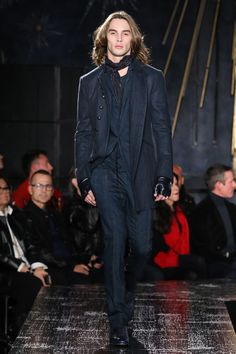 See the complete John Varvatos Fall 2017 Menswear collection.