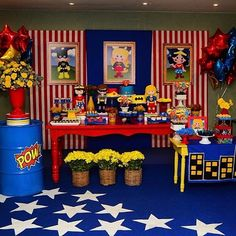 I think I'll use the stars ⭐️ on the floor idea for my party Spiderman Theme Party, Girl Superhero Party, Wonder Woman Birthday, Wonder Woman Party, Girls Party Decorations, Twin First Birthday, Dc Super Hero Girls, Avengers Birthday, Inspiration