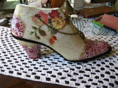 Paper Shoes, Shoe Last, Assemblage Art, Doll Shoes, Vintage Shoes, Heeled Mules, Decoupage, Kitten Heels, Boots