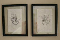 Dibujar cada aniversario la palma de la mano, en el mismo papel sobreponiendo...bonita idea