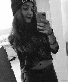 #black#and#white#black&white#photo#cute#belly#piercing#tumblr