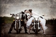 Bike Love. So cute! But with those open toe shoes, shifting might be a little painful. Haha