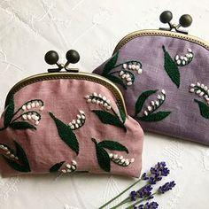 #母の日のプレゼント 色違いで 母と義母に #ミュゲ もっと小さく 刺しても 可愛いかも✨  #yumikohiguchi #樋口愉美子 #embroidery #handmade #ラベンダー #刺繍 #がま口 #再び幸せが訪れる