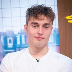 Sam Fender flashes his gold card… at Greggs Country Love Songs, Country Song Quotes, Country Song Lyrics, Country Girl Style, Country Girls, Country Music, Brit Award Winners, George Ezra, Country Girl Problems