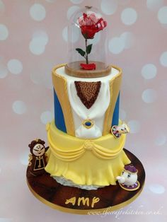 Beauty and the Beast - Cake by The Crafty Kitchen - Sarah Garland - CakesDecor Mini Tortillas, Unique Cakes, Creative Cakes, Beautiful Cakes, Amazing Cakes, Beauty And Beast Cake, Castle Birthday Cakes, Rodjendanske Torte, Cake Wallpaper